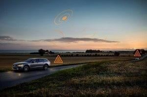 В Европе автомобили Volvo будут делиться информацией о скользких дорогах и потенциальных угрозах