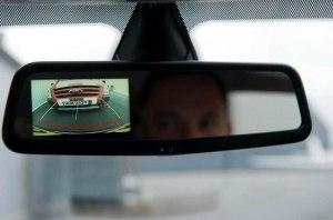 Все новые европейские авто начнут следить за водителями через камеры слежения